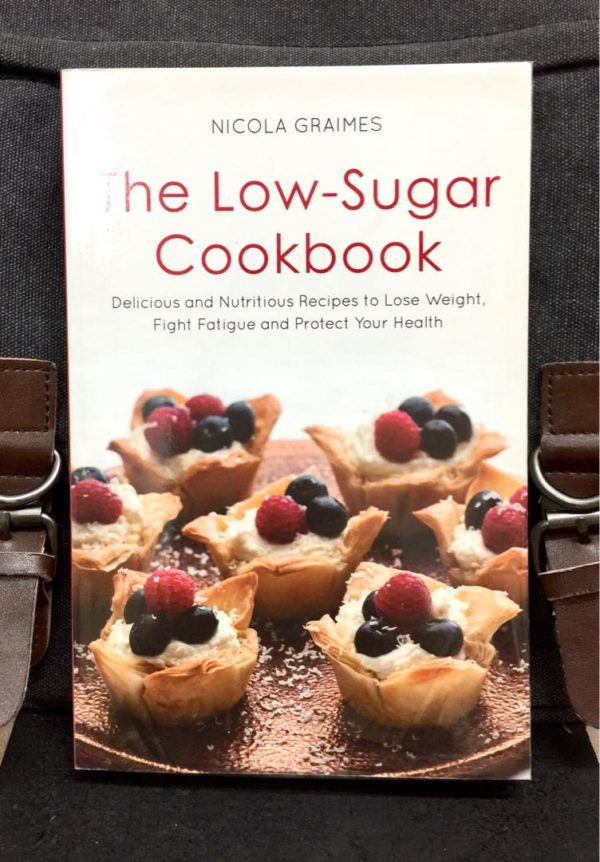 Nicola Graimes - THE LOW-SUGAR COOKBOOK : Delicious and Nutritious Recipes to Lose Weight, Fight Fatigue and Protect Your Health