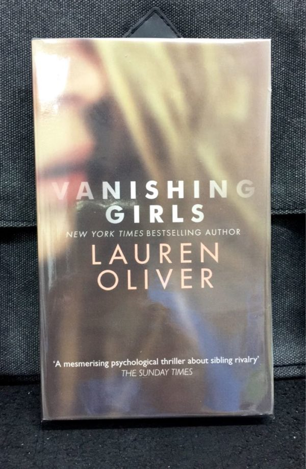 Lauren Oliver - VANISHING GIRLS
